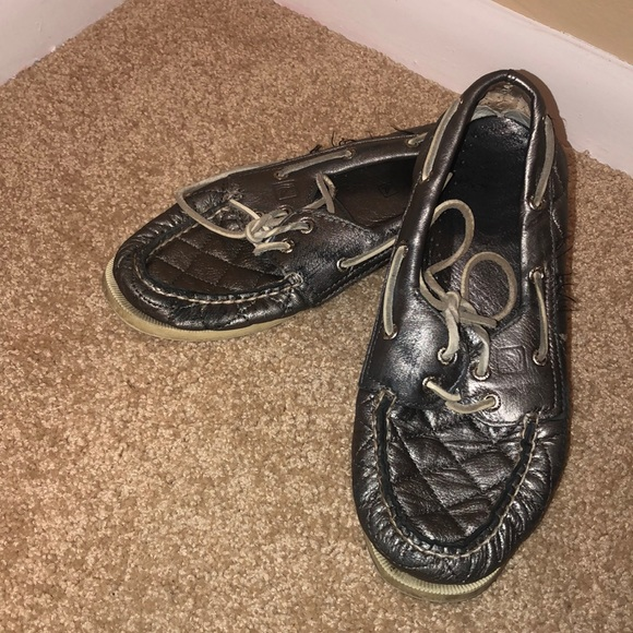 Sperry Shoes - Sliver Sperry boat shoes size 7 1/2
